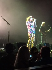 "Weird Al singing ""Tacky"""