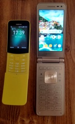 Nokia-NEO-Samsung-Folder2-3-Fronts-Open-5-24-19