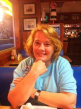 Pretty-Gretchen-Pensacola-Irish-Pub-Honeymoon-4-13